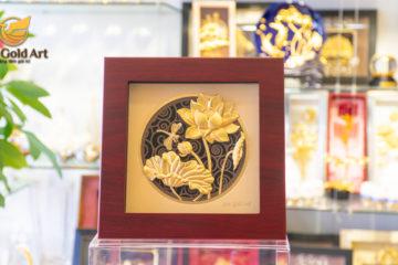 Tranh hoa Sen – Biểu tượng quốc qua Việt Nam đắt giá (2)